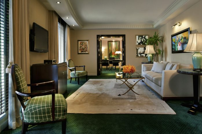 presidential-suite-office-living-room